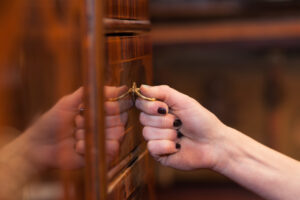 Cabinet Refacing Versus Cabinet Refinishing – Which is Best for Your Remodel?